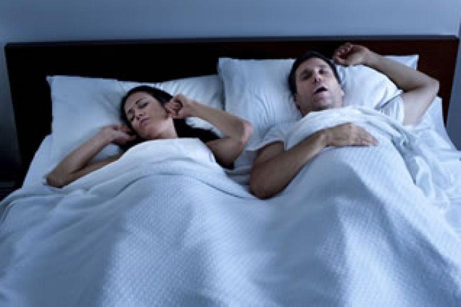 Atmung: Doppelt hilfreich für laute Schnarcher